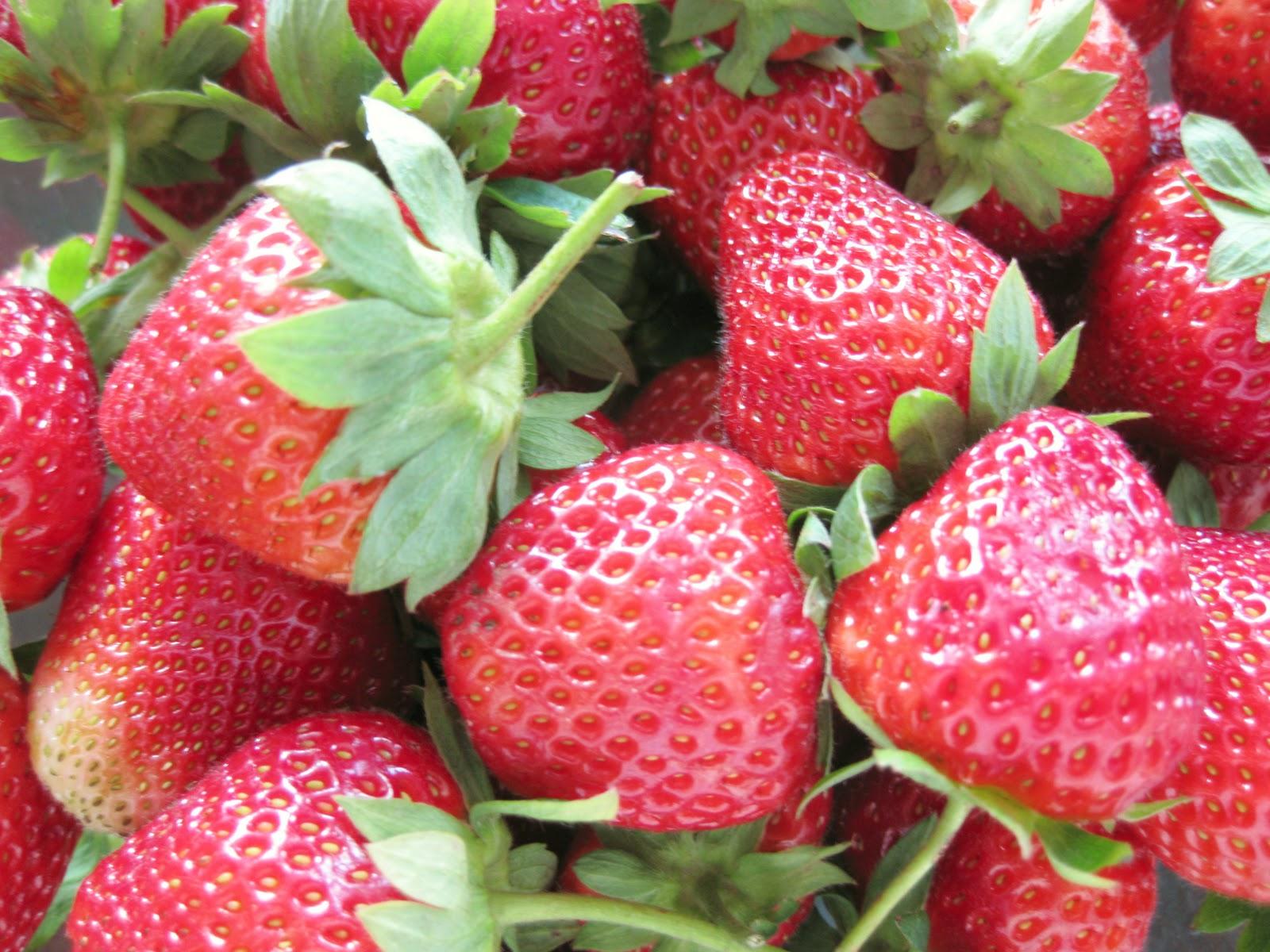 Perfect Christmas Gift – Homemade Strawberry Jam | Sweet Cherrie Pie