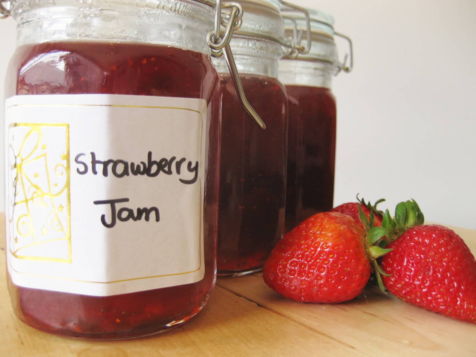 Perfect Christmas Gift – Homemade Strawberry Jam | Sweet Cherrie Pie