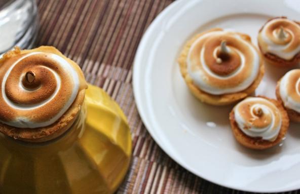 mini lemon meringue tart2