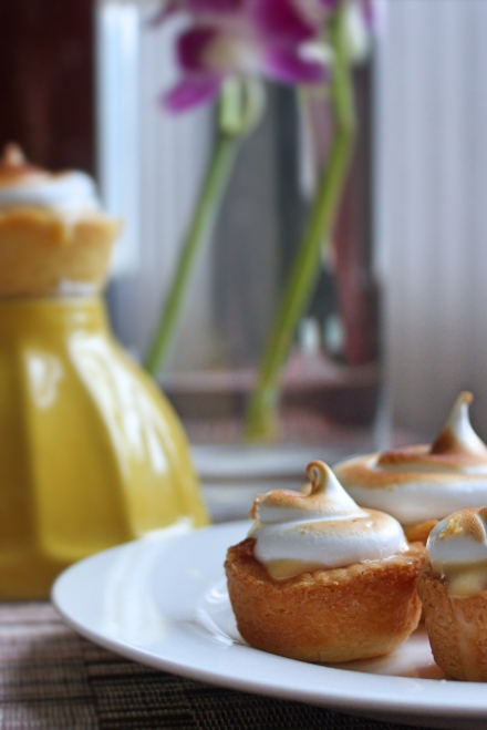 mini lemon meringue tart4